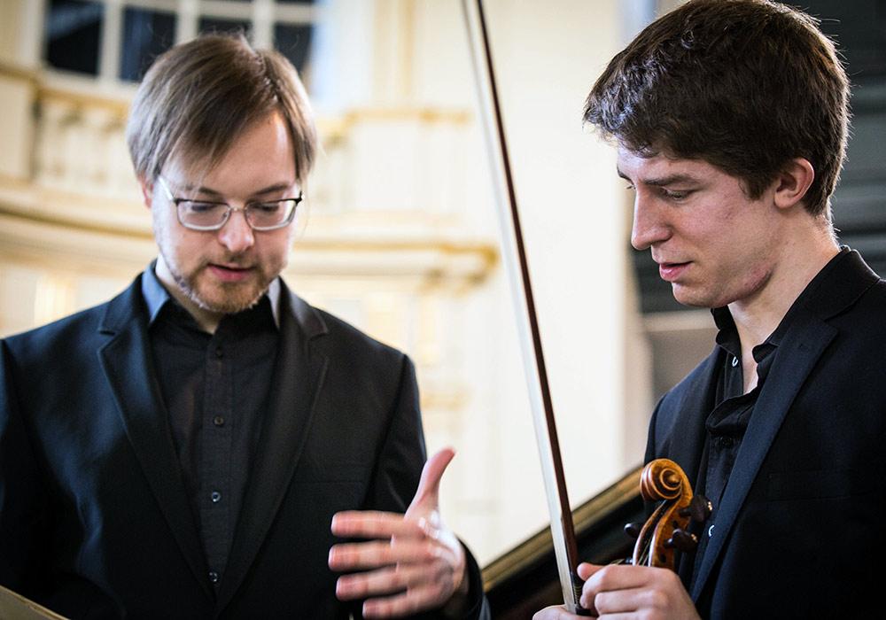 Foyle-Stsura Duo